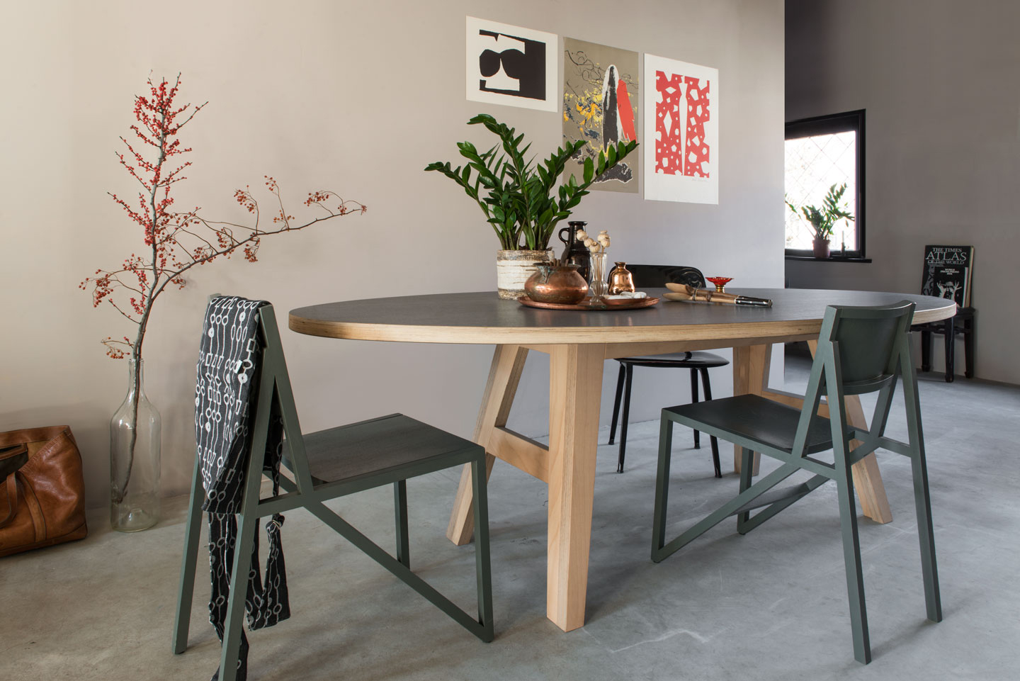 Ovale design tafel a legs cc for Woonkamer tafel